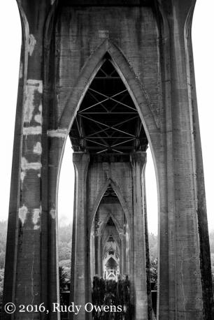 St. John's Bridge, Underbelly