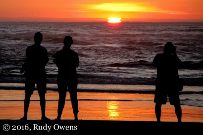 Cannon Beach Sunset Photo Moment