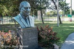 Louis Berra Sculpture, Berra Park