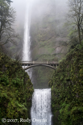 Multnomah Falls plunge 620 feet, making it one of the highest falls in the United States.